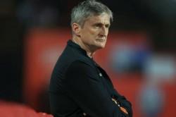 Isl 2019 20 Northeast United Fc Sack Head Coach Robert Jarni
