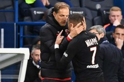 Thomas Tuchel Unimpressed Kylian Mbappe Substitution Reaction Paris Saint Germain