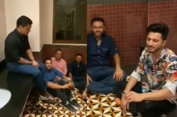 Ipl 2020 Chennai Super Kings Captain Ms Dhoni Jams With Parthiv Patel Piyush Chawla In Washroom