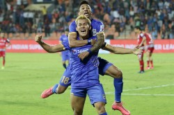 Isl 2019 20 Mumbai City Fc Vs Jamshedpur Fc Mumbai Pick Up Vital Injury Time Win