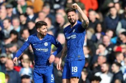 Chelsea 2 1 Tottenham Giroud And Alonso On Target