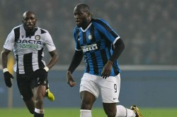 Udinese Inter Lukaku Scores Twice Close Gap Juventus Serie A Report