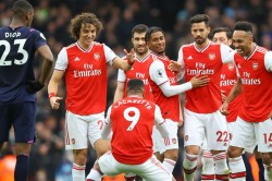 Premier League Arsenal Still In Champions League Hunt Liverpool Edge Closer To Title