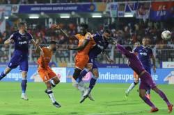 Isl Chennaiyin Survive Goa Onslaught To Reach Final