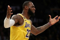 Nets Stun Lebron S Lakers As Clippers And Rockets Soar