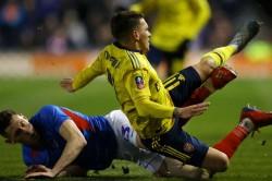 Arsenal Midfielder Torreira Suffers Fractured Ankle