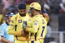 Coronavirus Harbhajan Singh Shares Image Of Ms Dhoni And Himself To Spread Awareness