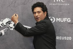 Sachin Tendulkar Joins Who S Safe Hands Challenge