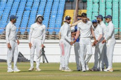 Ranji Trophy Fina Bengal Fight Back But Saurashtra Maintain Upper Hand