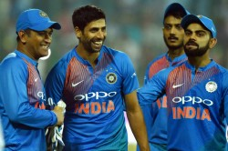 Ashish Nehra Sorry For Abusing Ms Dhoni For Dropping Shahid Afridi Catch In