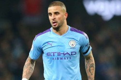 Coronavirus Kyle Walker Hopes Premier League Season Resumes Football Take A Back Step