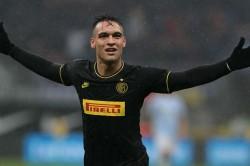 Godin Likens Barcelona Target Martinez To Suarez Aguero
