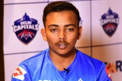 Prithvi Shaw Keeps Himself Busy During Lockdown Days Shadow Practice Pubg Helping Father In Kitchen