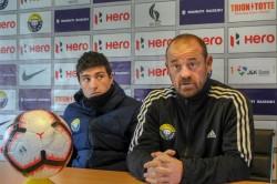 Coronavirus Real Kashmir Coach David Robertson Stuck In Srinagar Due To Lockdown