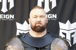 The Mountain Game Of Thrones Actor Breaks World Record With 501kg Deadlift Hafthor Bjornsson