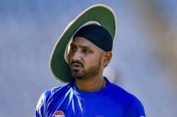 Harbhajan Singh Says Ms Dhoni Was A Shy Person That He Rarely Hung Out With Other Players