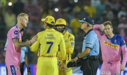 Santner Opens Up On When Dhoni Stormed Field To Question Umpires Call