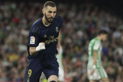 Benzema Stars As Real Madrid Keep The Pace With Barcelona