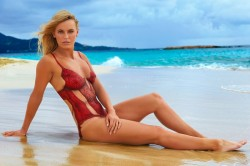 Danish Tennis Beauty Caroline Wozniacki Gets Body Painted For Sports Illustrated Swimsuit See Pics