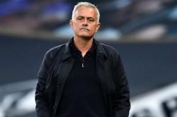 Jose Mourinho No Bench Spurs Draw Man Utd