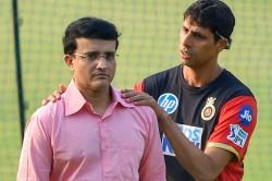 Vvs Laxman Details How Ashish Nehra Braved Injuries