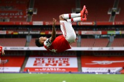 Arsenal 4 Norwich City 0 Fifty Up For Auba As Gunners Boost Champions League Hopes