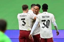 Arsenal 1 1 Liverpool Arsenal Win 5 4 On Pens Aubameyang Spot Kick Seals Community Shield Triumph
