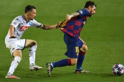 Lionel Messi Succeeds Where Ronaldo Fails Barca Champions League Quarter Finals