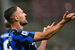 Inter Beat Fiorentina In Serie A Thriller Ribery Lukaku And Dambrosio Star