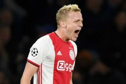 Van Der Sar Backs Van De Beek To Flourish At Man Utd In Emotional Open Letter