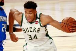 Giannis Antetokounmpo Mike Budenholzer Nba Bucks Miami Heat Playoffs