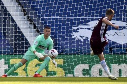 Premier League West Brom 0 3 Leicester City Vardy Makes Baggies Pay The Penalty Matches Van Niste