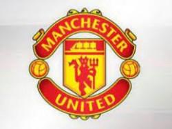 Comparing Alex Telles To Manchester United Left Backs