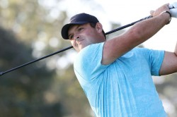 Reed Claims Us Open Lead As Tiger Spieth And Mickelson Miss Cut