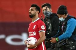Jurgen Klopp Congratulates Mohamed Salah Liverpool Hat Trick Against Leeds United
