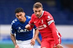 Everton 2 Liverpool 2 Henderson Winner Chalked Off By Var In Frantic Merseyside Derby