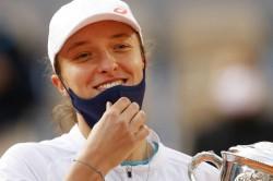 French Open 2020 Great Story Lewandowski Hails Swiatek Success
