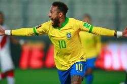 Peru 2 4 Brazil Neymar Passes Ronaldo With Hat Trick
