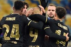 Martin Braithwaite Brace Helps Barcelona Claim 4 0 Win Over Dynamo Kiev In Champions League