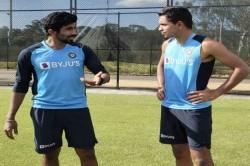 India Vs Australia Jasprit Bumrah Mentors Young Pacers Down Under