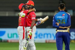 Ipl 2020 Chris Gayle Offers Solace To Dejected Kings Xi Punjab Players After Team Finishes Sixth