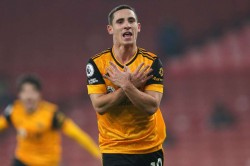Arsenal 1 2 Wolves Nuno Gunners Misery Raul Jimenez Head Injury