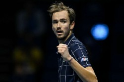 Atp Finals Medvedev Roars Back To Beat Thiem In Thriller