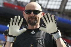 Fabien Barthez Returns To Toulouse As Goalkeeper Consultant