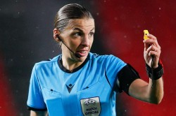 Stephanie Frappart Become First Female Referee In Champions League Juventus Clash Dynamo Kiev