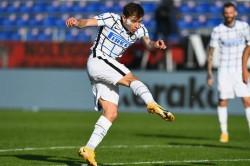 Cagliari 1 3 Inter Late Nerazzurri Comeback Eases Pressure On Conte