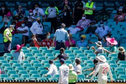 India Vs Australia Paine Joins India Huddle Langer Calls Him Class Act After Racism Mars Sydney Te