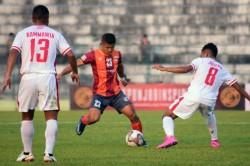 Hero I League Roundglass Punjab Fc Edge Past Aizawl Fc In Kalyani