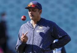 India S New Head Coach Ravi Shastri Or Rahul Dravid Kapil Dev Gives His Verdict