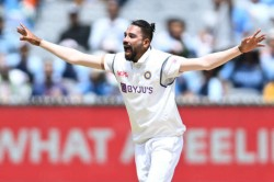 India Vs Australia 4th Test Day 4 Mohammed Siraj Grabs A Couple As Tourists Get Hosts Top Four